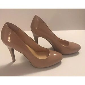 Jessica Simpson Heels Round Toe Color Nude Size 9M
